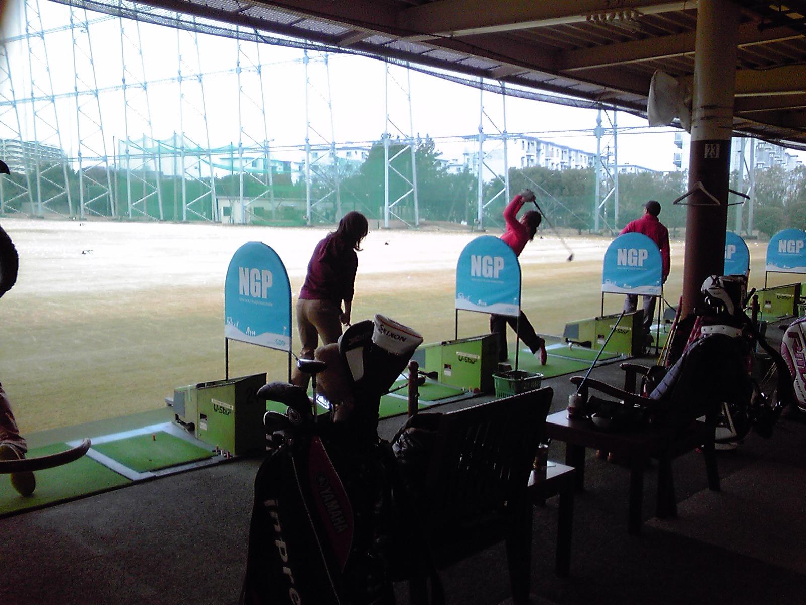 女子ゴルフプレイヤー